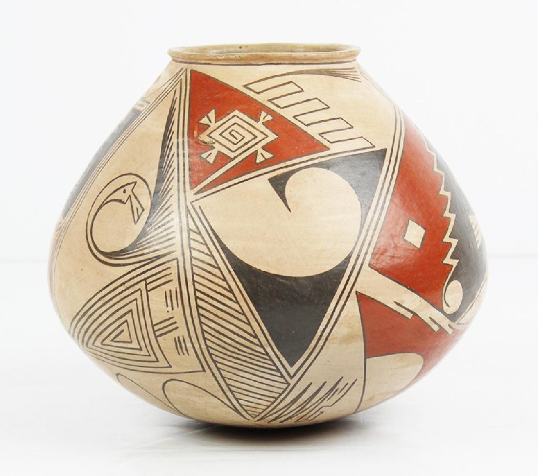 Casas Grandes Mata Ortiz Pottery by Lydia Quezada