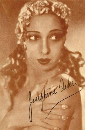 Baker, Josephine - Signed sepia-tone portrait