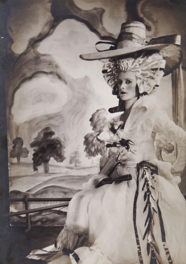 Cecil Beaton (1904-1980) - Lady Rosse, ca. 1930