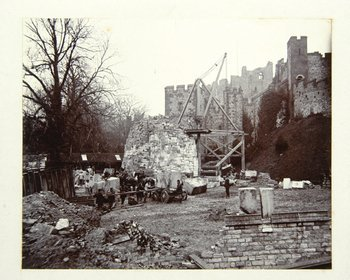 354B: Arundel Castle, West Sussex
