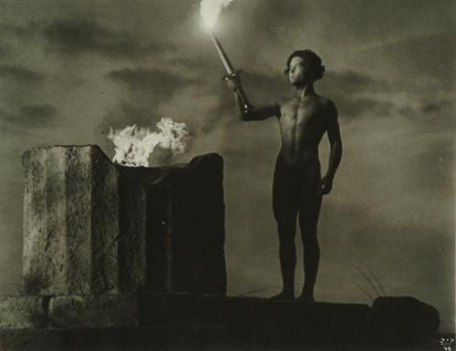 72: Leni Riefenstahl (1902 - 2003) Die Fackel Wird Ent