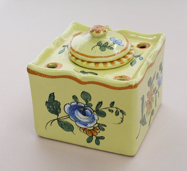 3022: FAIENCE INKWELLFrench, probably 1920s