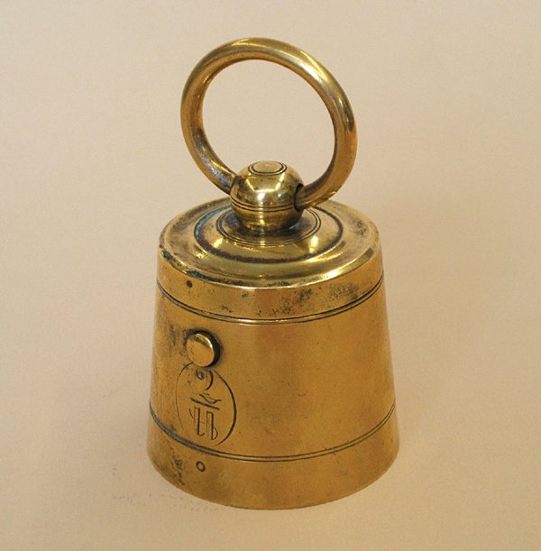 16A: BRASS '2 POUND WEIGHT' INKWELL, 1890s