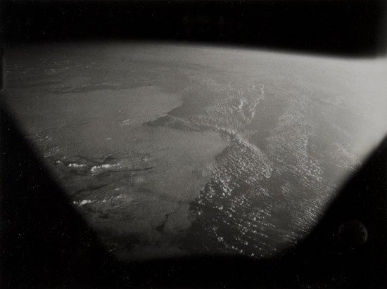 3: Automatic recorded view of the Earth horizon, 29