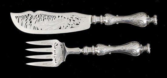 628: A pair of Victorian silver fish servers by George