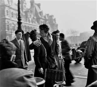 50: Robert Doisneau (1912-1994) Le Baiser de L'Hotel d