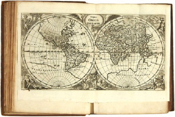 8C: Cluverius (P) Universam Geographiam