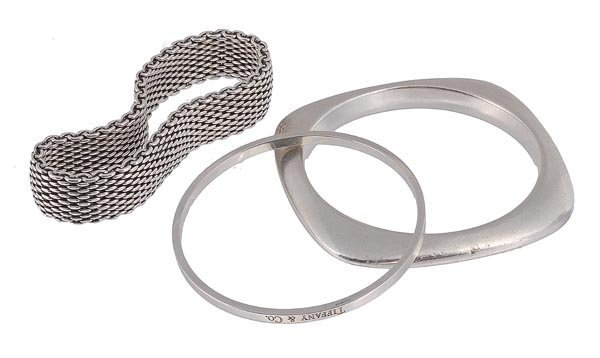 7: Tiffany & Co., a silver bangle, maker's marks, Lon