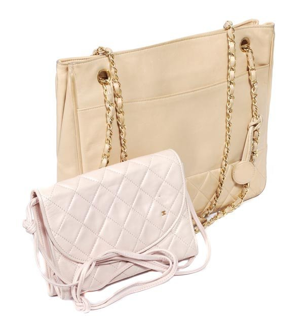 25: Chanel, a large part quilted cream leather shoulde