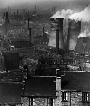 Bill Brandt (1904-1983) - Smokestacks, London, 1930
