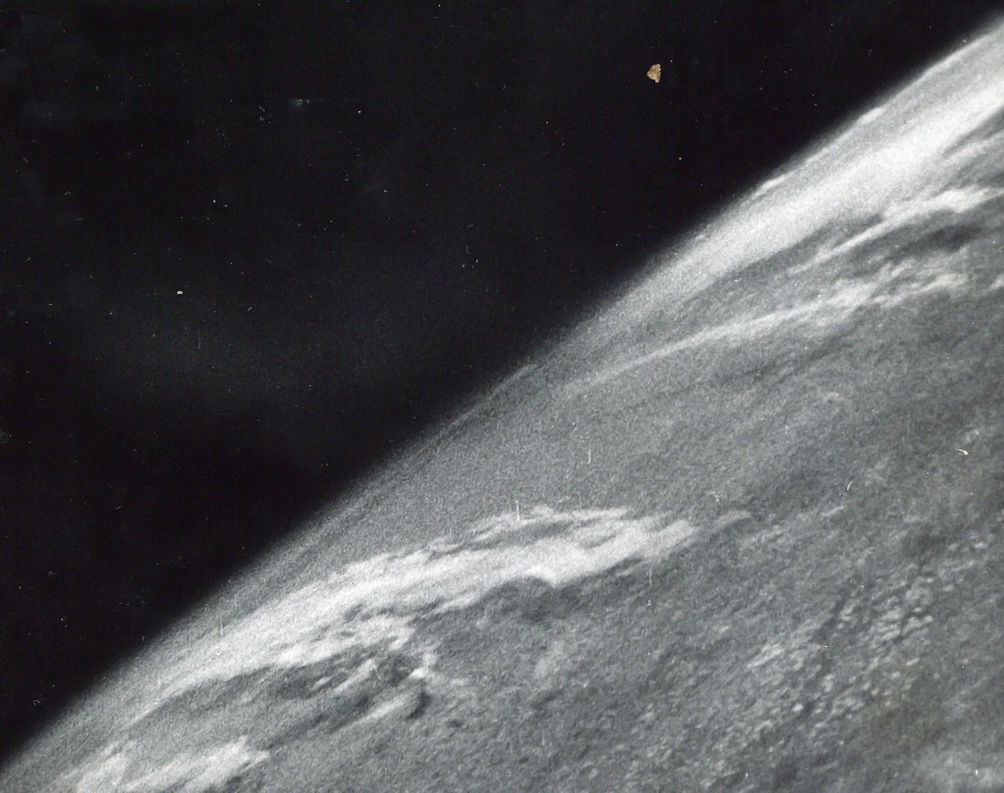Clyde Holliday, - The first photograph from space, 24