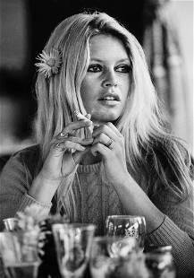 Terry O'Neill (b.1938) - Brigitte Bardot, Deauville,