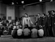 PRESLEY, ELVIS - Black and white photograph of Elvis