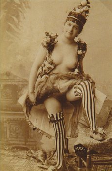 33E: Anonymous girl lifting her skirt