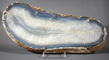 11B: A LARGE AGATE SLICE