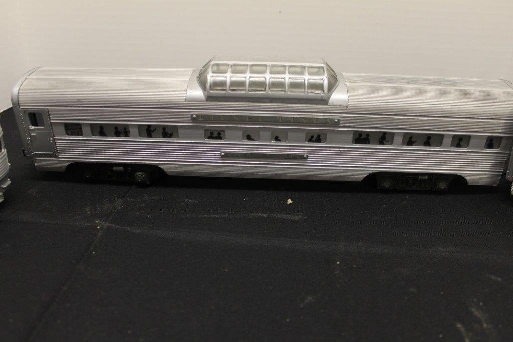 2531,2532,2533 Illuminated Pullman Cars - 3