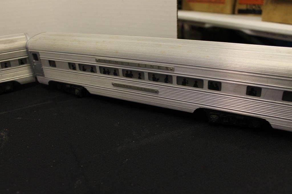 2531,2532,2533 Illuminated Pullman Cars - 4