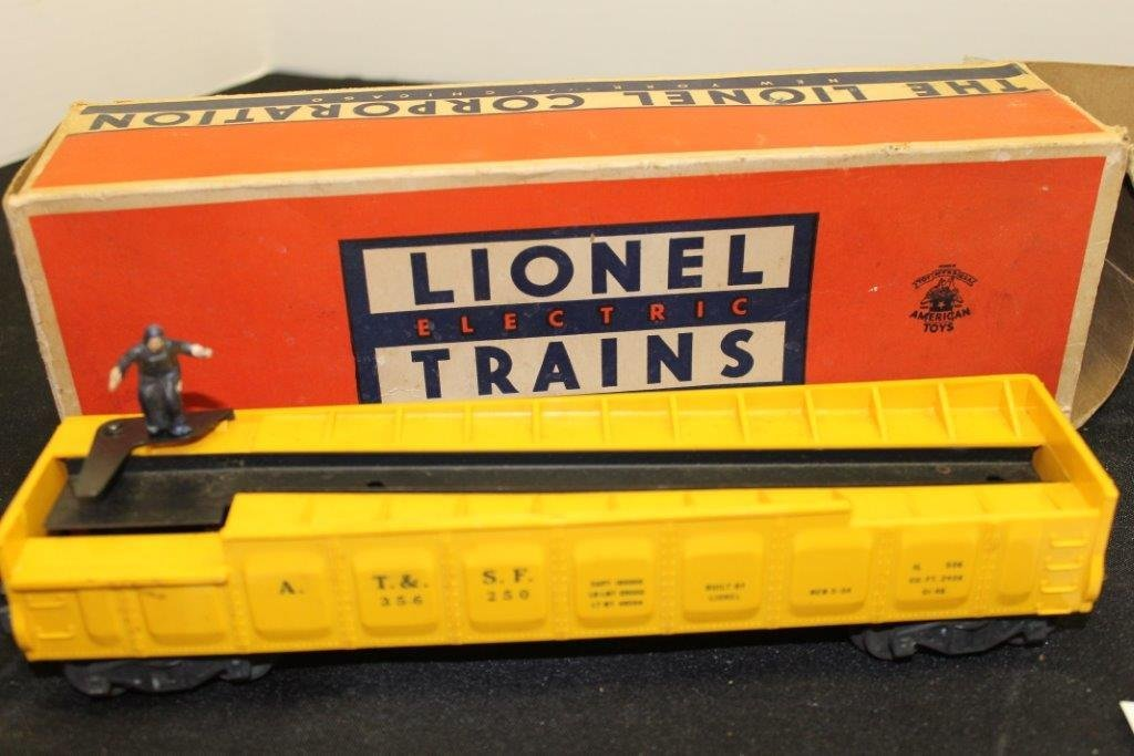 3562 Operating Barrel Car with Box