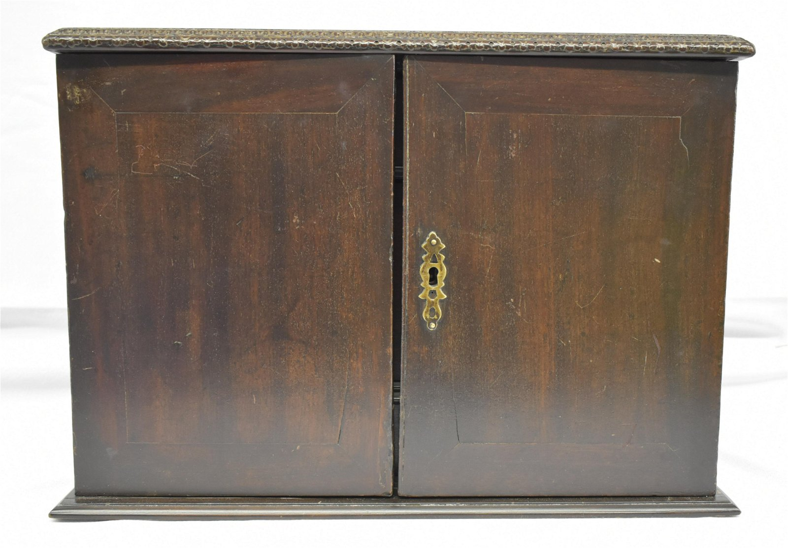 18th c. Mahogany Desktop Box w/ Columned Interior