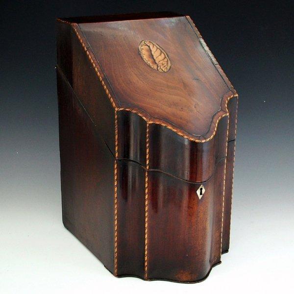 356: Mahogany knife box, circa 1810, with rosewood band