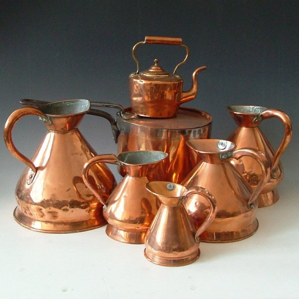 478: Five copper jugs, kettle, saucepan and lid