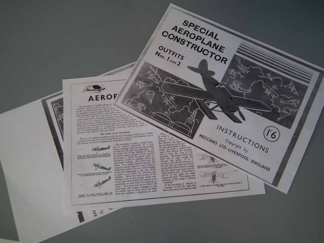 Meccano Aeroplane Constructor Set 1   with original - 10