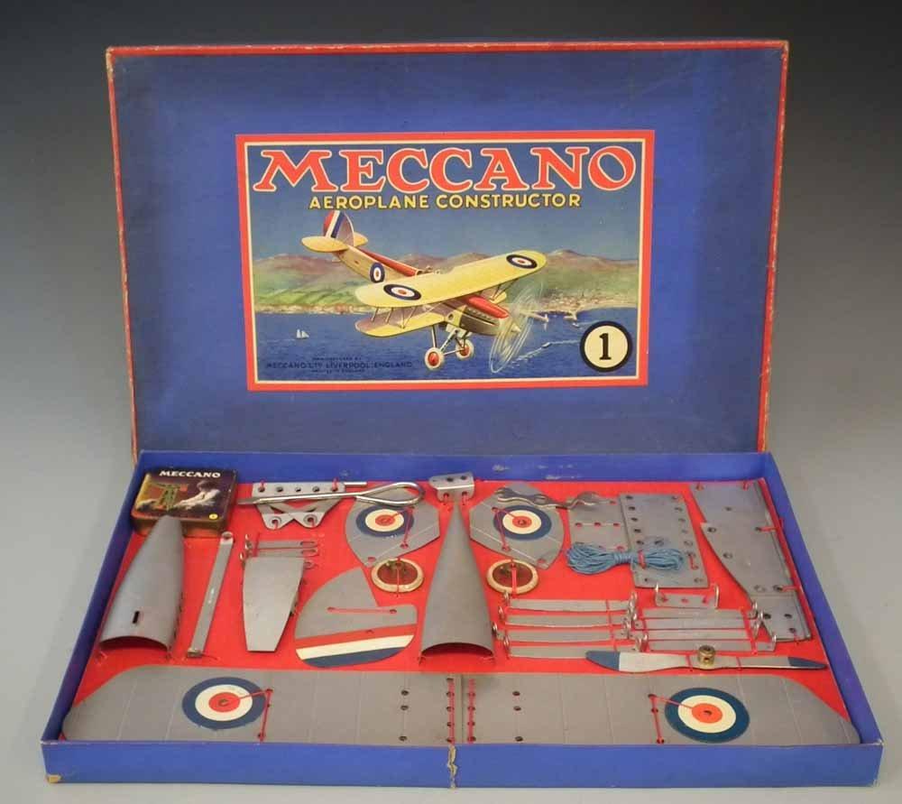 Meccano Aeroplane Constructor Set 1   with original