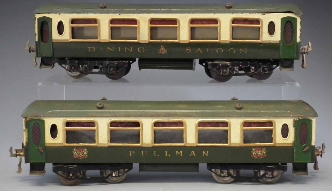 Two Hornby O Gauge tinplate Pullman coaches,   one of - 3