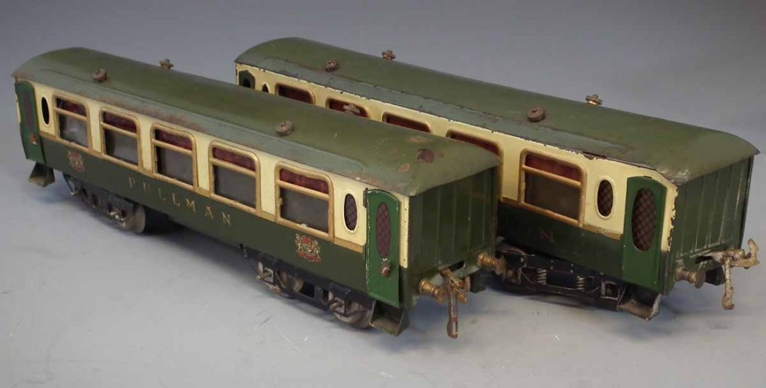 Two Hornby O Gauge tinplate Pullman coaches,   one of - 6