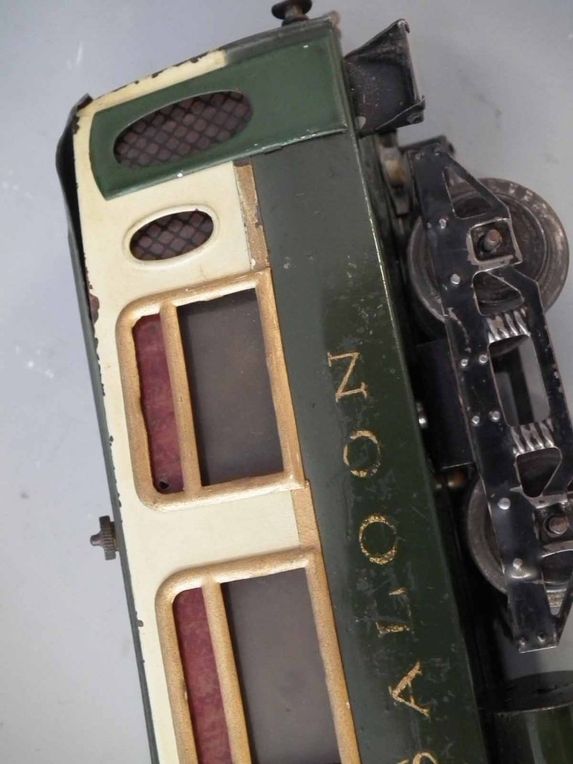 Two Hornby O Gauge tinplate Pullman coaches,   one of - 8