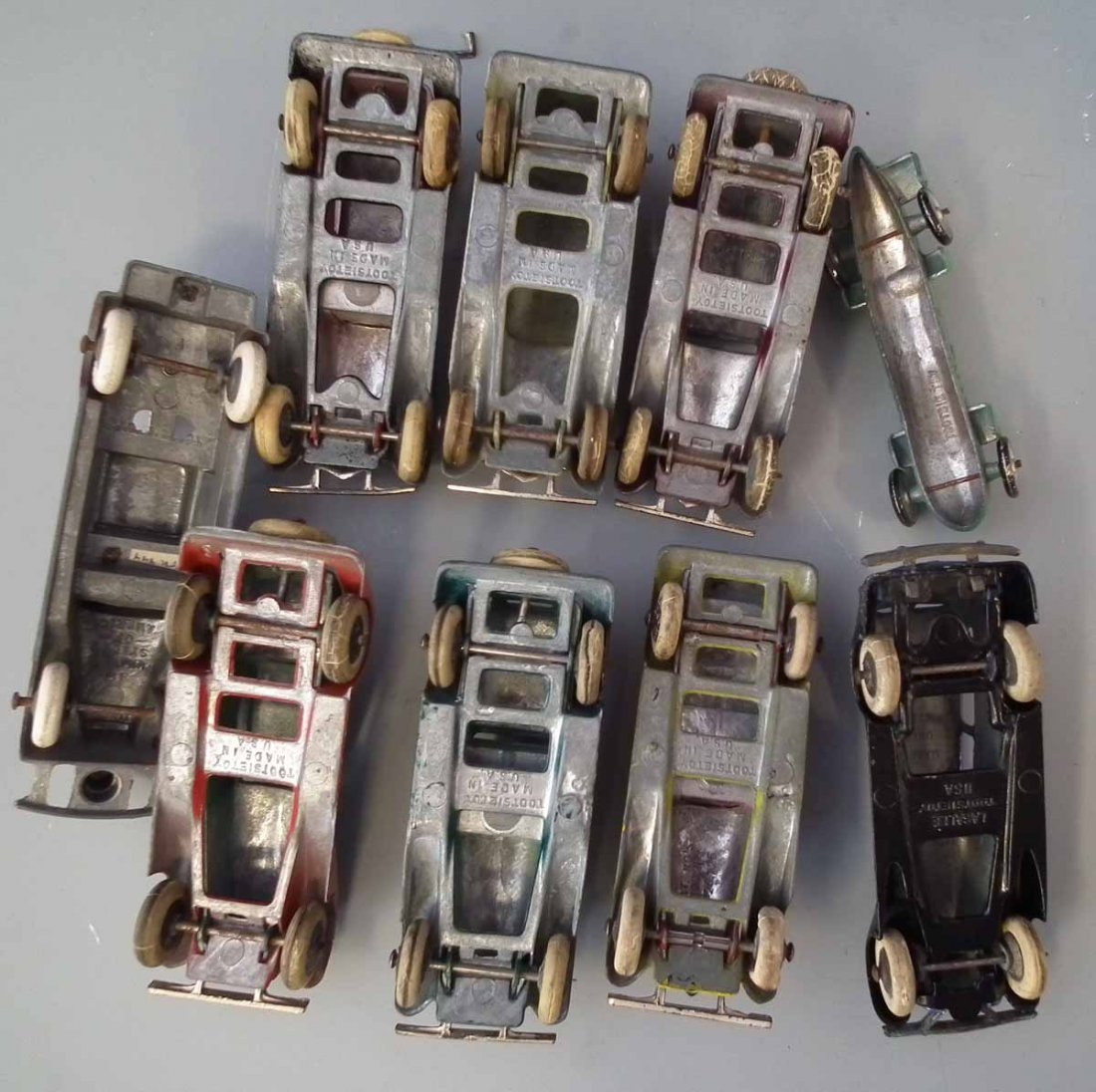 Nine early Tootsie Toy die cast toy vehicles.  (9) - 7