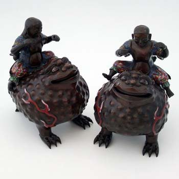 504: Pair of Japanese toad koros