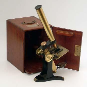 517: Microscope by M. Pillischer, London, in case