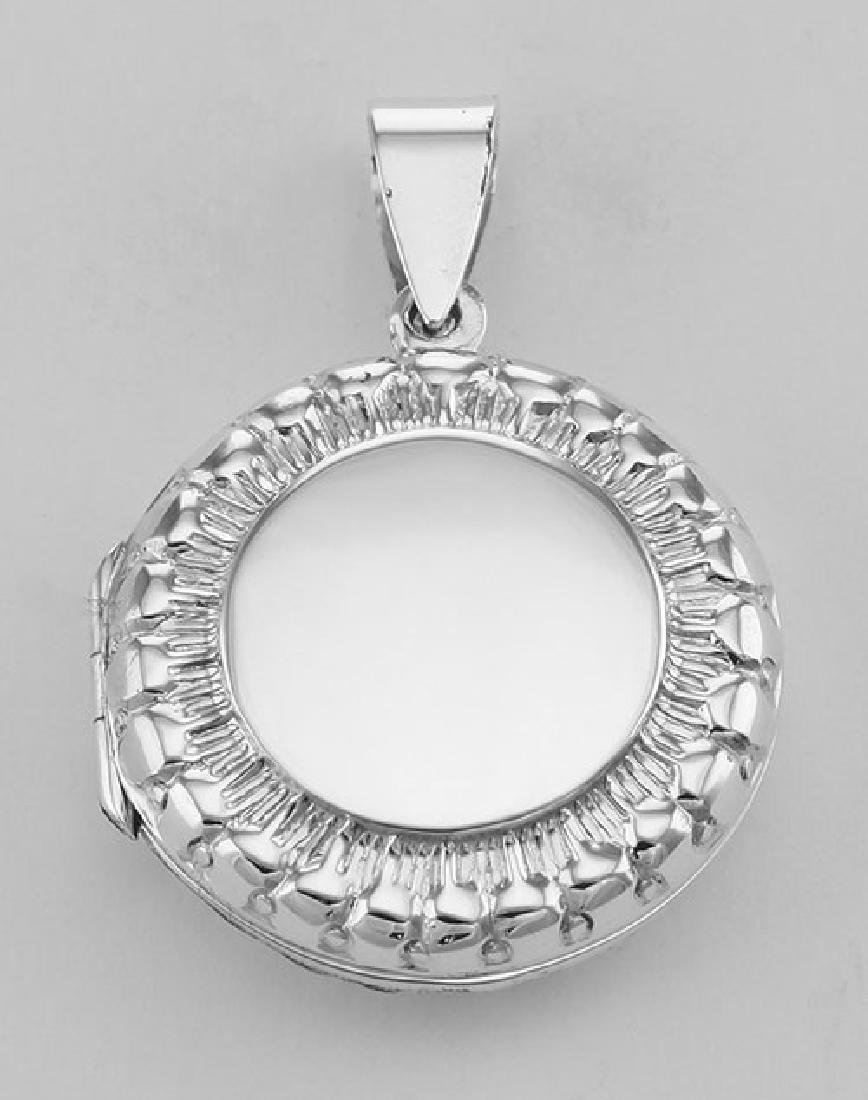 Sterling Silver Antique Style Round Locket