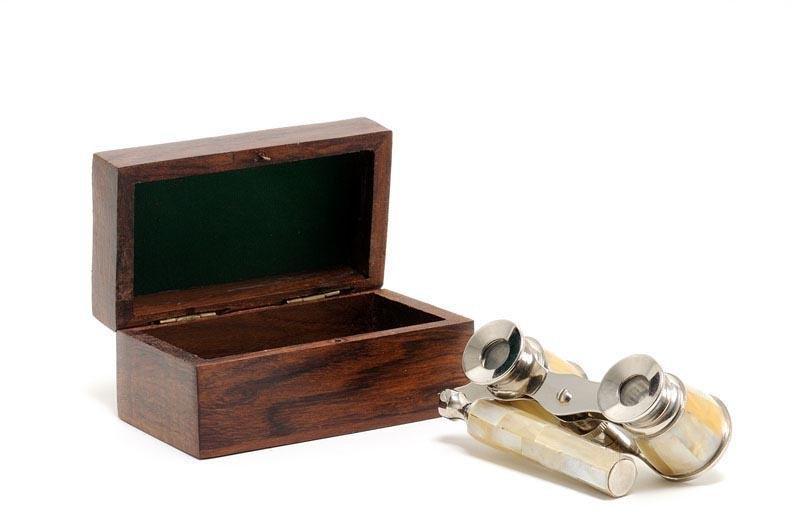 Opera glasses w MOP in wood box