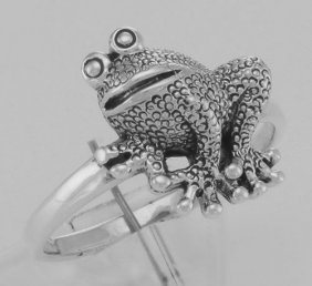 Cute Frog Ring - Toad Ring - Sterling Silver