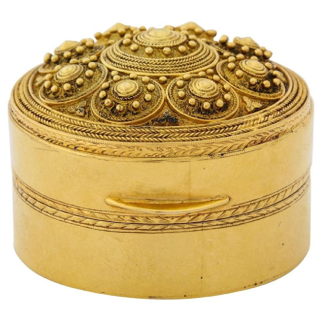 An Italian 14K Gold Round Box Bomboniere, in the