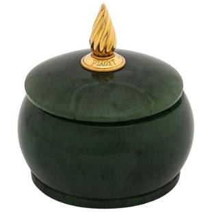 18 Karat Gold and Spinach Jade Round Box with Cover by