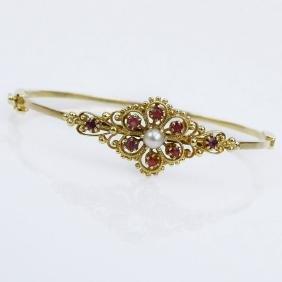 Vintage 14 Karat Yellow Gold Hinged Bangle Bracelet