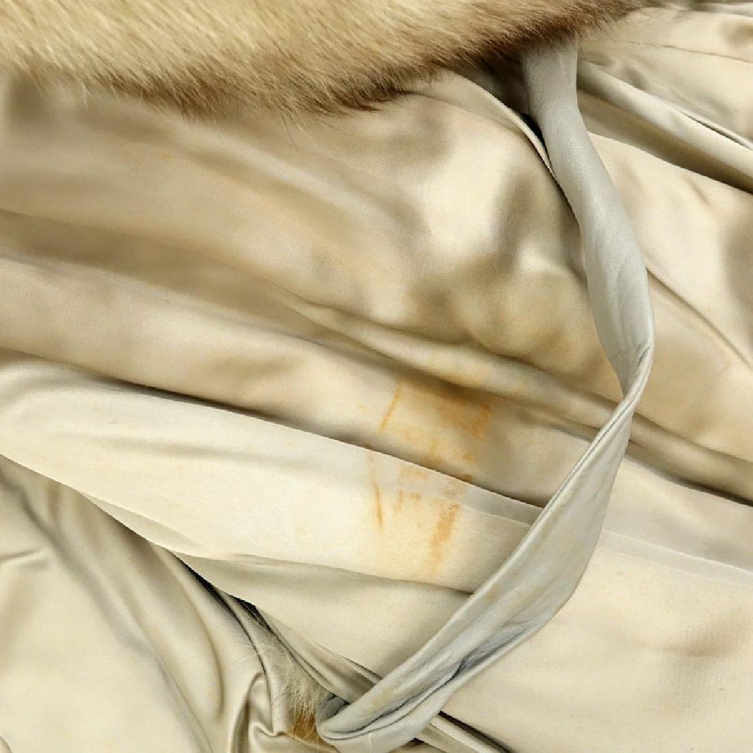 Lady's Vintage Fox Jacket with Leather Trim. Unsigned. - 4