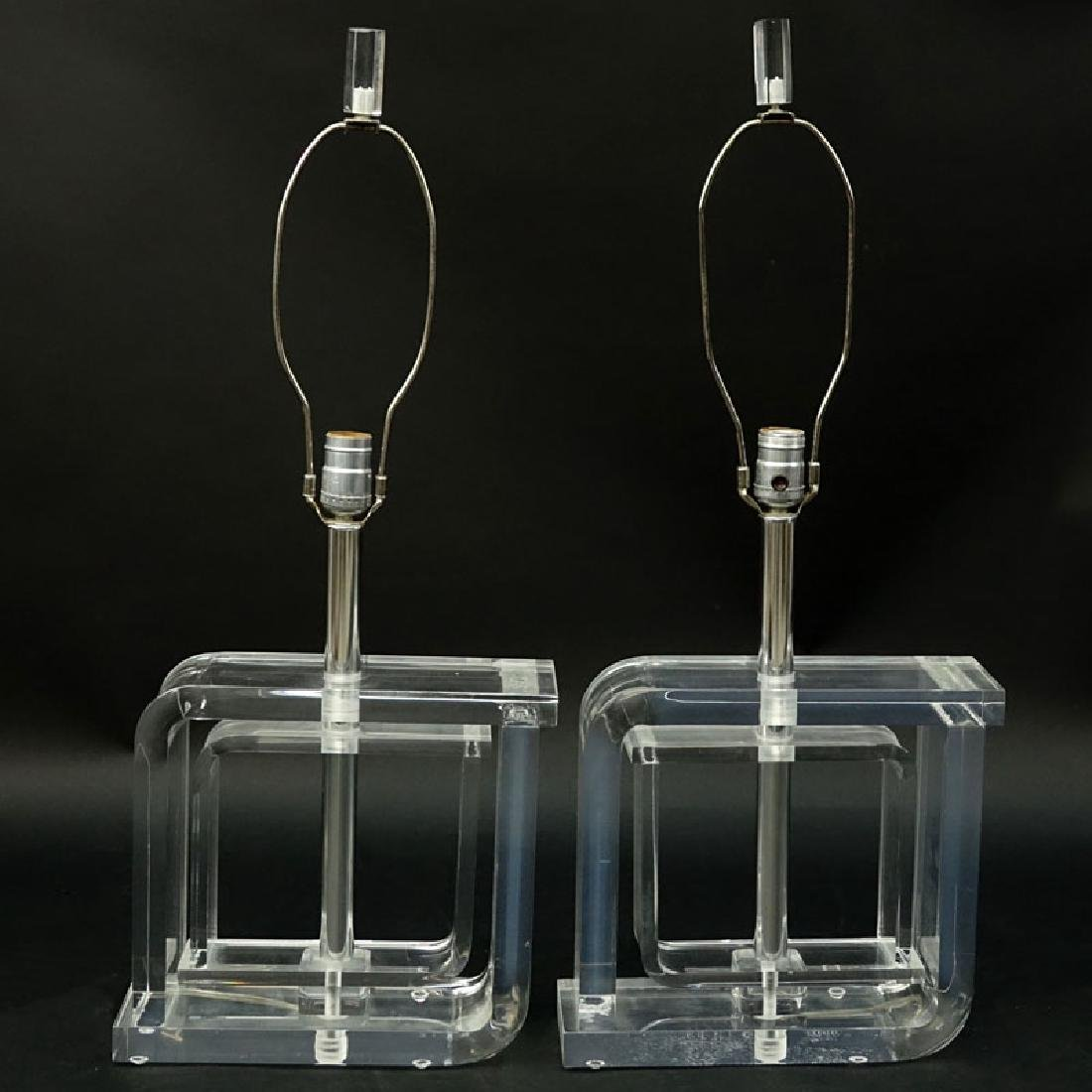 Pair of Mid Century Modern Lucite and Chrome Lamps. - 4
