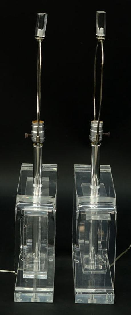 Pair of Mid Century Modern Lucite and Chrome Lamps. - 6