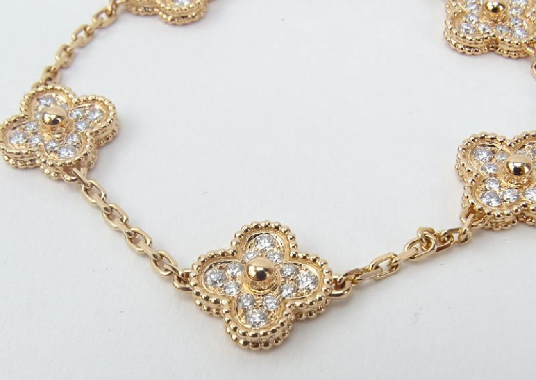 Van Cleef & Arpels style Diamond and 18 Karat Rose Gold - 2