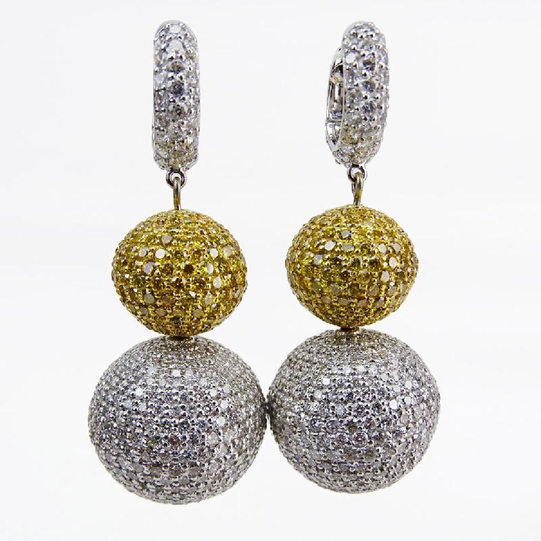Contemporary Approx. 21.60 Carat Pave Set Round
