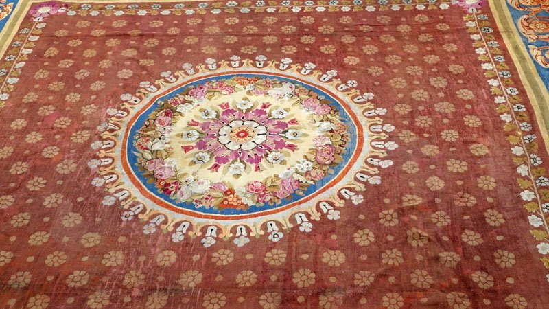 Large 19th Century French Aubusson Carpet. - 3