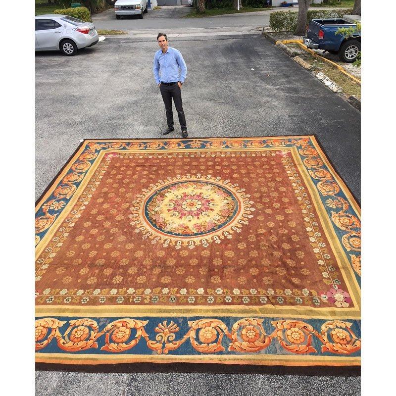 Large 19th Century French Aubusson Carpet. - 5
