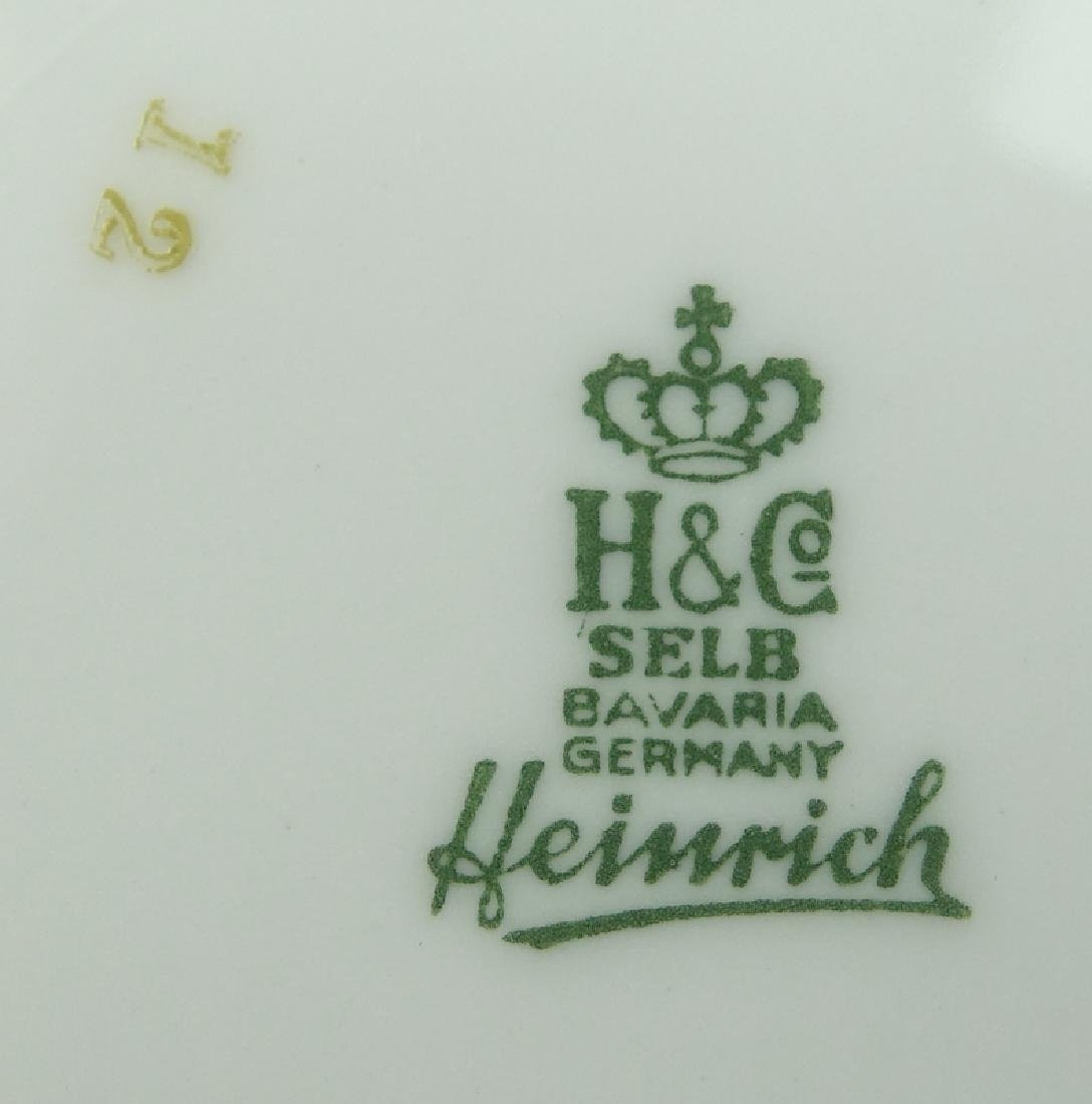 Eighty-Nine (89) Pieces Heinrich H&C Rococo Dinnerware - 3