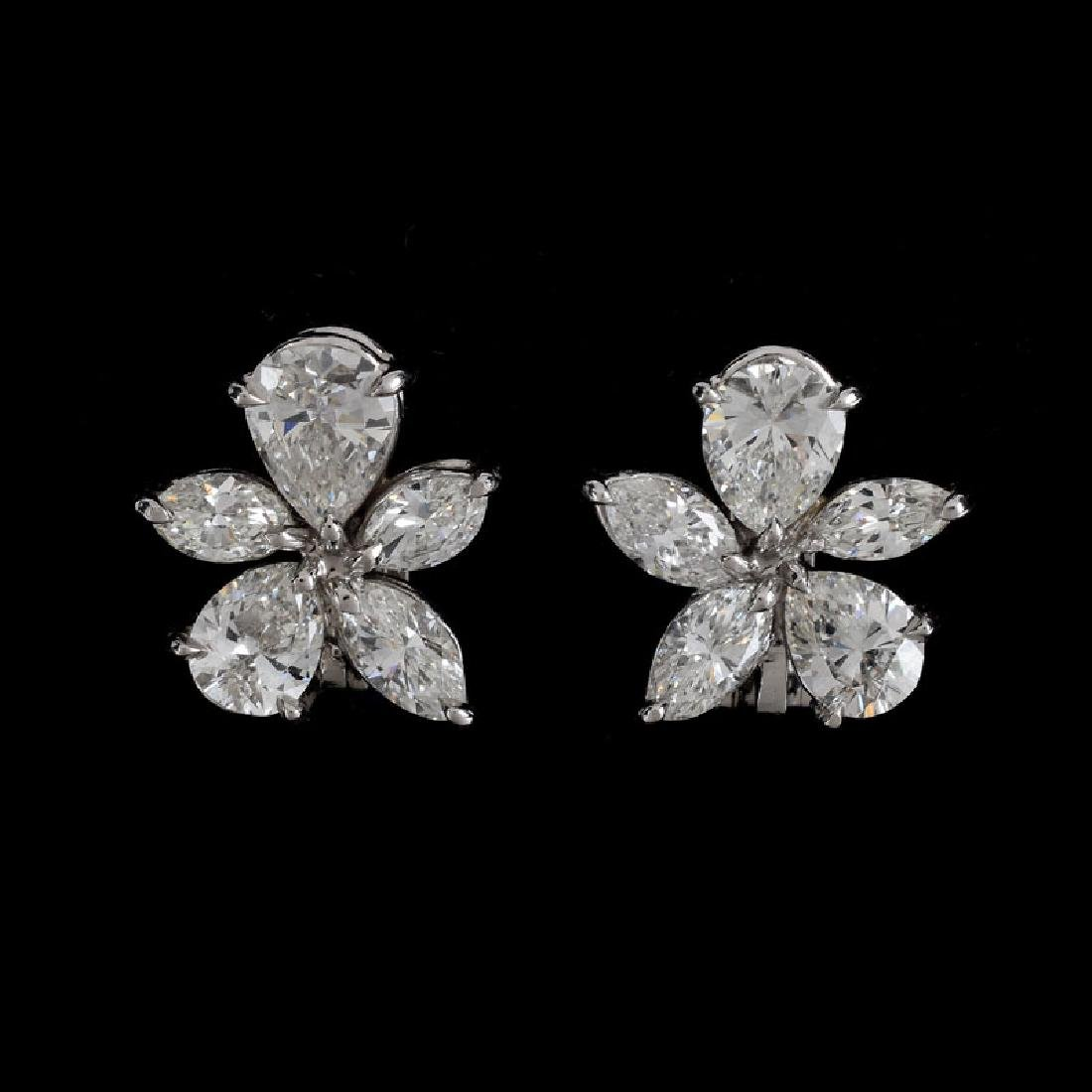 Harry Winston style Approx. 3.75 Carat Pear and