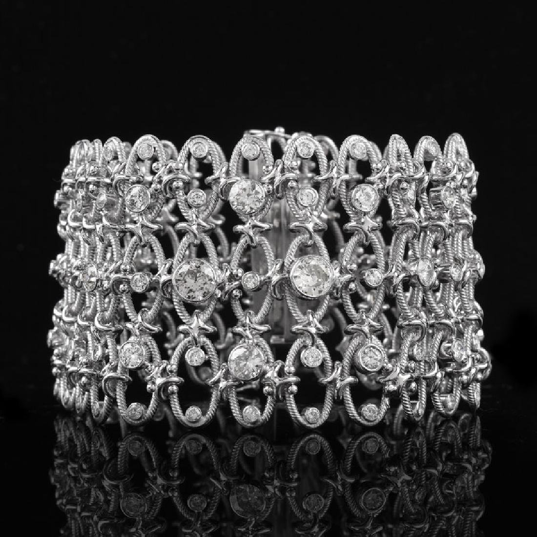 Approx. 10.0 Carat Round Brilliant Cut Diamond and 18