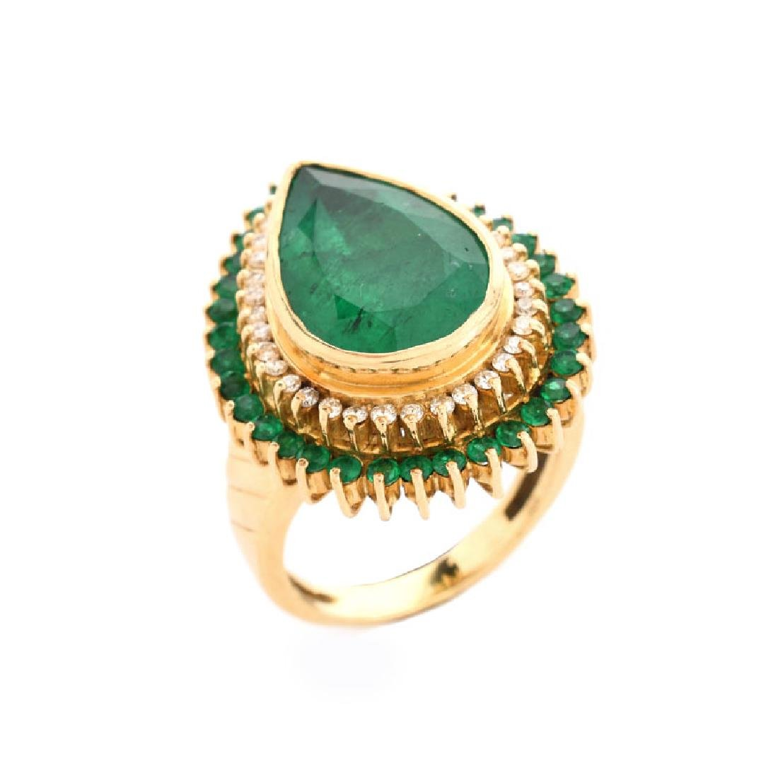 Approx. 7.50 Carat Pear Shape Colombian Emerald and 18